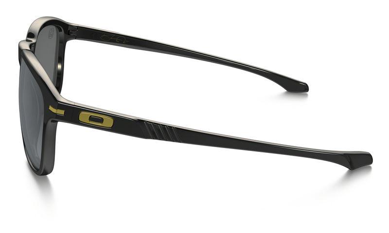 a7eab369bf Oakley Enduro Polished Black  Black Iridium Polarized